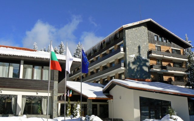 Hotel Finlandia- Half Board Пампорово вид на фасад
