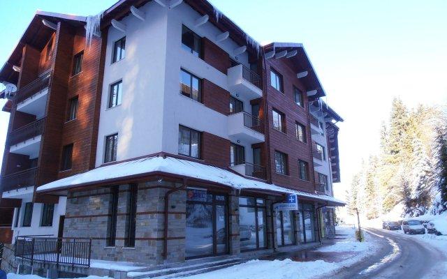 Отель Royal House Apartments TMF Болгария, Пампорово - отзывы, цены и фото номеров - забронировать отель Royal House Apartments TMF онлайн вид на фасад