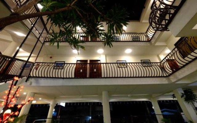 Kiwi Hotel вид на фасад