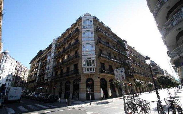 Отель Easo Suites by Feelfree Rentals вид на фасад