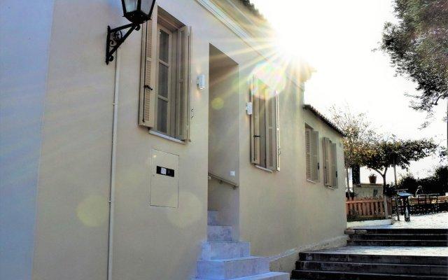 Отель Themelio Boutique Suite Афины вид на фасад