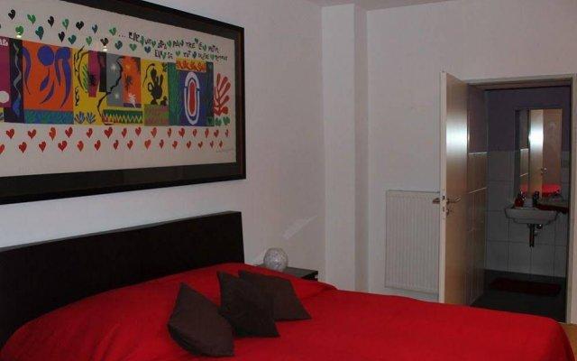 Отель Fürstenwall Apartment Германия, Дюссельдорф - отзывы, цены и фото номеров - забронировать отель Fürstenwall Apartment онлайн комната для гостей