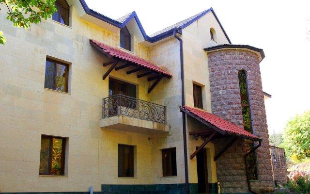 Отель Tsaghkatun Армения, Цахкадзор - 1 отзыв об отеле, цены и фото номеров - забронировать отель Tsaghkatun онлайн вид на фасад