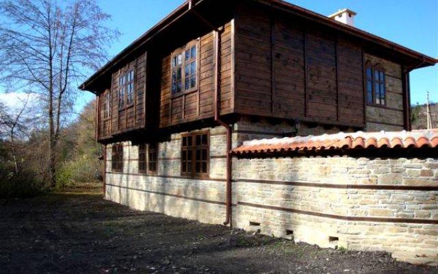 Отель Voevodski Eco Complex Сливен вид на фасад