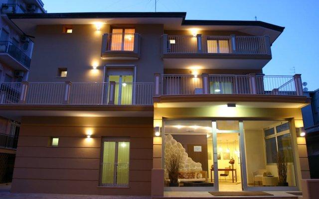 Отель Residence La Dolce Vita Римини вид на фасад