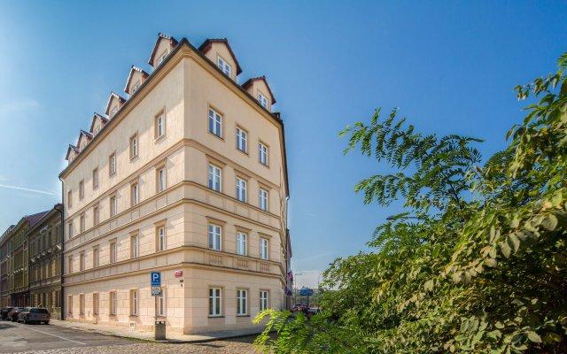 Отель Le Petit Hotel Prague