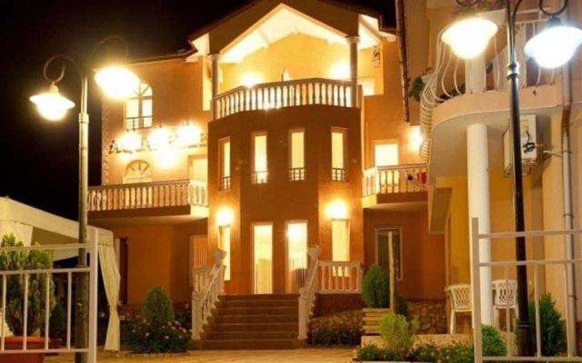 Aquarelle Hotel & Villas вид на фасад