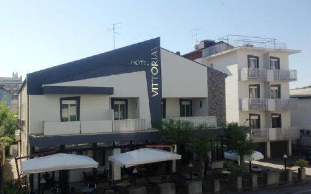 Hotel Vittoria Гаттео-а-Маре вид на фасад