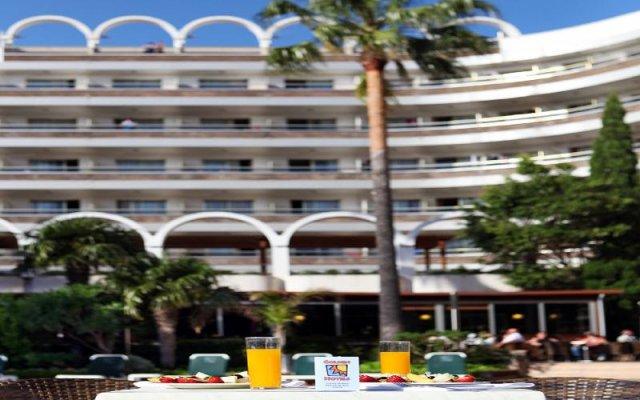 Отель Golden Port Salou & Spa вид на фасад