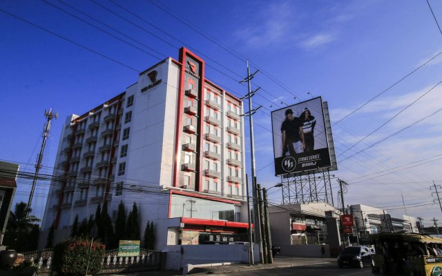 Отель Red Planet Davao вид на фасад