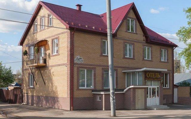 Гостиница Династия вид на фасад