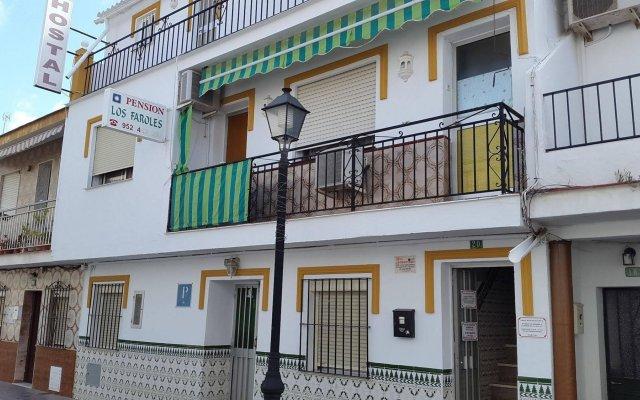 Отель Pension Los Faroles Испания, Фуэнхирола - отзывы, цены и фото номеров - забронировать отель Pension Los Faroles онлайн вид на фасад