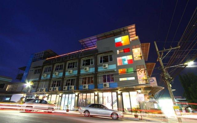 Pak-Up Hostel вид на фасад