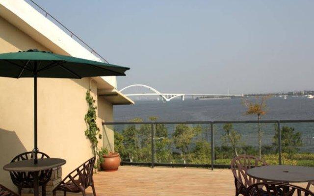 Отель Xiamen Fengshui Sailing Club & Resort Китай, Сямынь - отзывы, цены и фото номеров - забронировать отель Xiamen Fengshui Sailing Club & Resort онлайн балкон