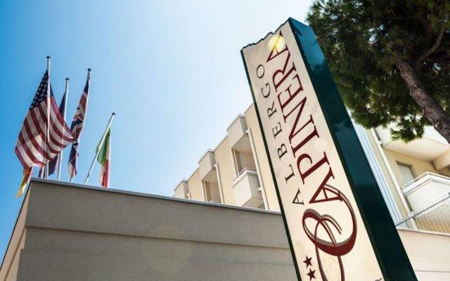 Отель Capinera Римини вид на фасад