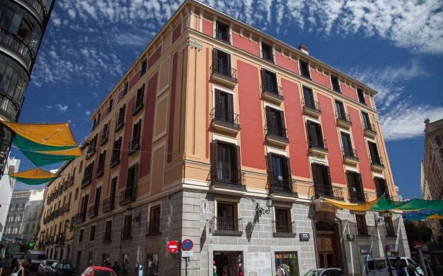 Отель Toc Hostel Madrid Испания, Мадрид - 3 отзыва об отеле, цены и фото номеров - забронировать отель Toc Hostel Madrid онлайн вид на фасад