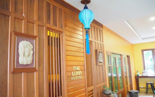 Отель The Luna пляж Май Кхао вид на фасад