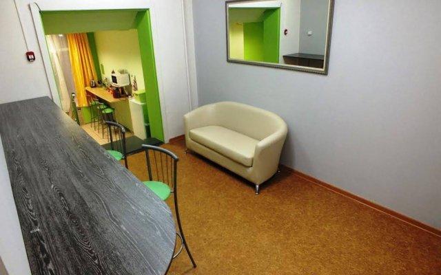 Гостиница Lucomoria Hostel Abakan в Абакане 4 отзыва об отеле, цены и фото номеров - забронировать гостиницу Lucomoria Hostel Abakan онлайн Абакан комната для гостей