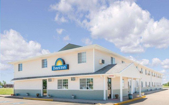 Отель Days Inn by Wyndham Great Bend США, Хойзингтон - отзывы, цены и фото номеров - забронировать отель Days Inn by Wyndham Great Bend онлайн вид на фасад