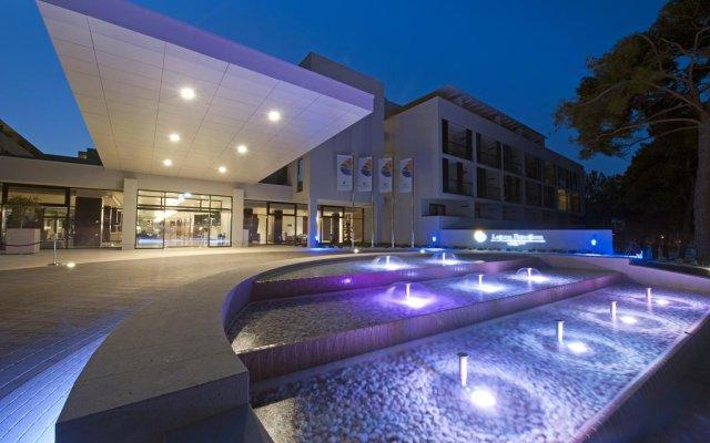Hotel Laguna Parentium вид на фасад