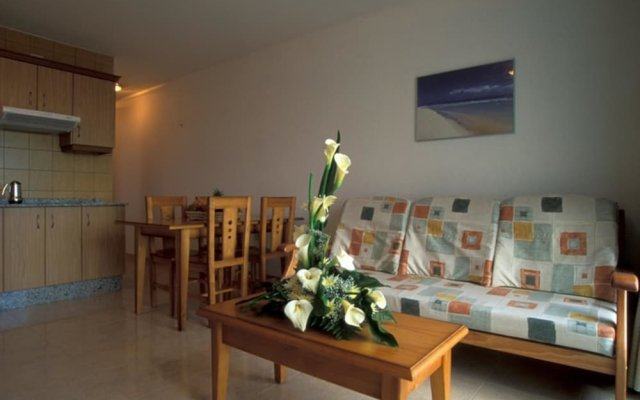 Апартаменты Cala Apartments 2Pax Bajo C Гинигинамар комната для гостей