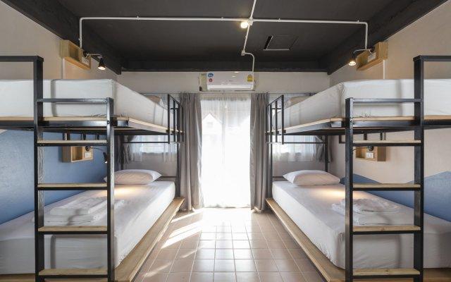 Fun Hostel Phuket Patong - Adults Only комната для гостей