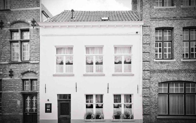 Hotel Groeninghe вид на фасад