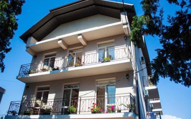 Гостиница Lavanda Guest House в Сочи отзывы, цены и фото номеров - забронировать гостиницу Lavanda Guest House онлайн вид на фасад