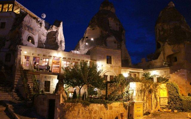 Nostalji Cave Suit Hotel Турция, Гёреме - 1 отзыв об отеле, цены и фото номеров - забронировать отель Nostalji Cave Suit Hotel онлайн вид на фасад