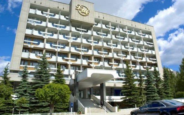 Гостиница ДИС вид на фасад