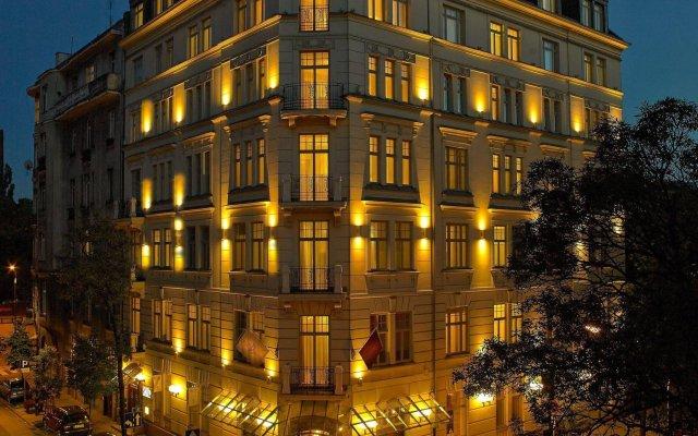 Отель Rialto Польша, Варшава - 8 отзывов об отеле, цены и фото номеров - забронировать отель Rialto онлайн вид на фасад