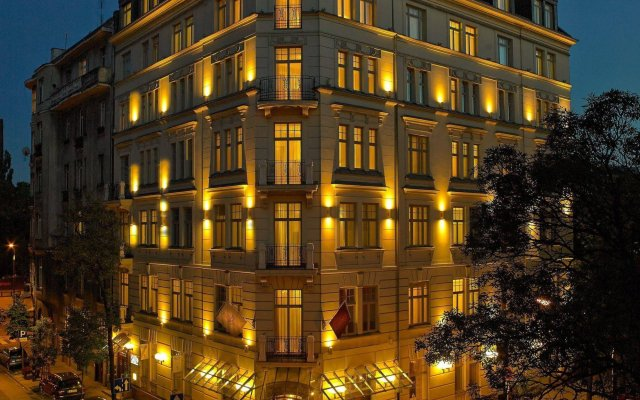 Hotel Rialto Варшава вид на фасад