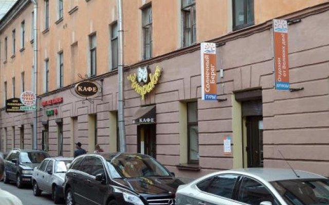 Гостиница Хостел Мини-Мани на Крылова в Санкт-Петербурге - забронировать гостиницу Хостел Мини-Мани на Крылова, цены и фото номеров Санкт-Петербург вид на фасад