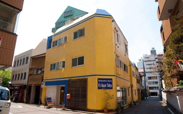 Отель K's House Tokyo Токио вид на фасад