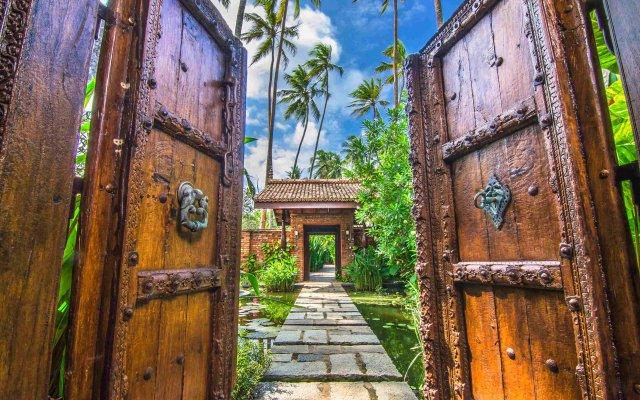 Отель Reef Villa & Spa Шри-Ланка, Ваддува - отзывы, цены и фото номеров - забронировать отель Reef Villa & Spa онлайн вид на фасад
