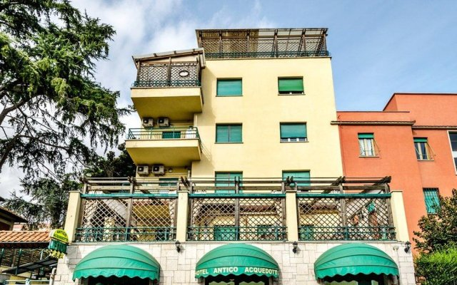 Отель Antico Acquedotto вид на фасад