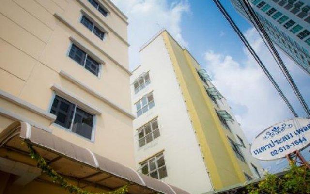 Отель Netprasom Place Таиланд, Бангкок - отзывы, цены и фото номеров - забронировать отель Netprasom Place онлайн вид на фасад