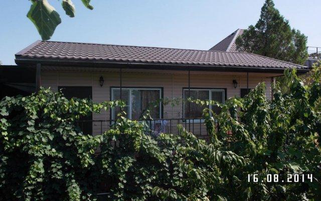 Гостиница Na Rostovskoy 9 Guest House в Ейске отзывы, цены и фото номеров - забронировать гостиницу Na Rostovskoy 9 Guest House онлайн Ейск вид на фасад