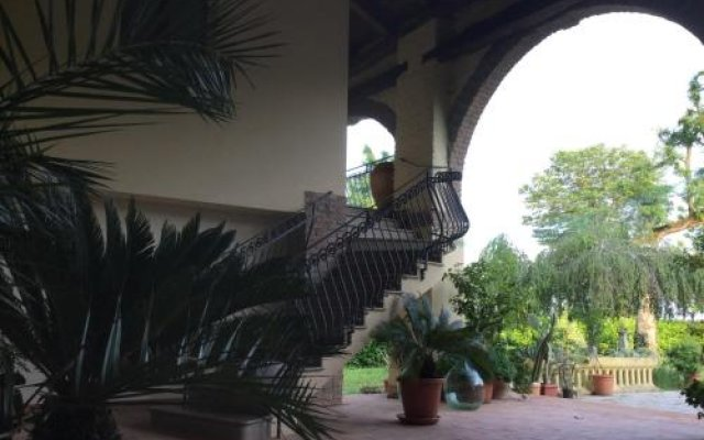 Отель Domus Rosarum Италия, Региональный парк Colli Euganei - отзывы, цены и фото номеров - забронировать отель Domus Rosarum онлайн вид на фасад
