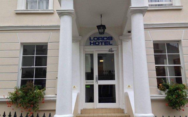 Отель LORDS Лондон вид на фасад