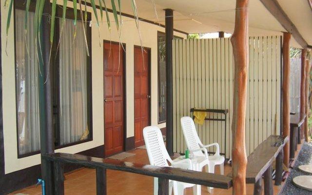 Отель Baan Rim Lay Ланта вид на фасад