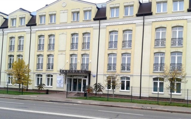 Гостиница Raziotel Kyiv вид на фасад