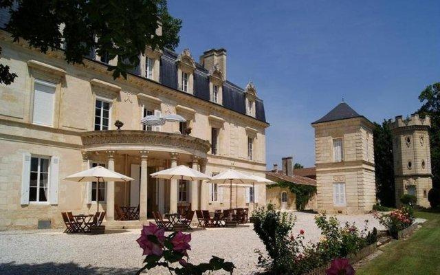 Отель Chateau Pomys вид на фасад