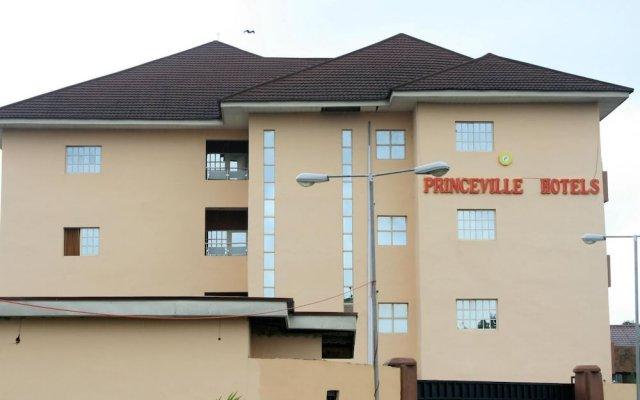 Отель Princeville Hotels Нигерия, Калабар - отзывы, цены и фото номеров - забронировать отель Princeville Hotels онлайн вид на фасад