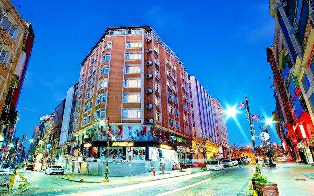 Sahinler Hotel вид на фасад