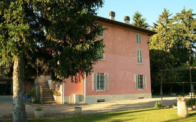 Отель B&B La Bugia di Villa Tanzi Парма вид на фасад