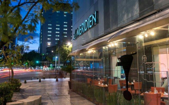 Отель Embassy Suites Mexico City Reforma Мехико вид на фасад