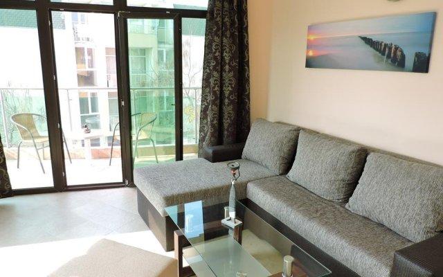 Отель Eleven Moons Болгария, Равда - отзывы, цены и фото номеров - забронировать отель Eleven Moons онлайн комната для гостей