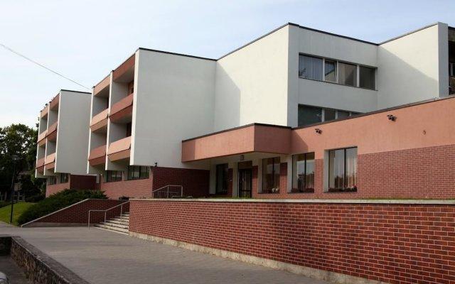Hotel Dobele вид на фасад