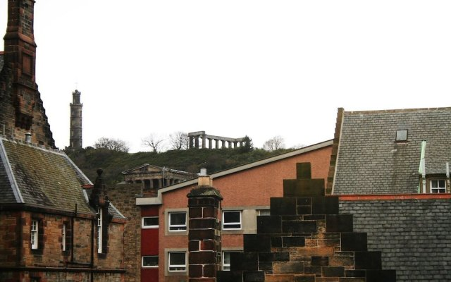 Отель Dreamhouse Holyrood Apartments Великобритания, Эдинбург - отзывы, цены и фото номеров - забронировать отель Dreamhouse Holyrood Apartments онлайн вид на фасад